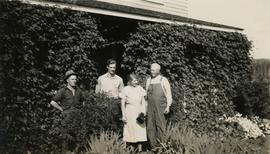 Jack Lee, Gordon Wyness, Jessie McInnes, and Archie McInnes at Pioneer Ranch