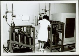 1965 - Unknown Woman Conducting Fibre Length Test