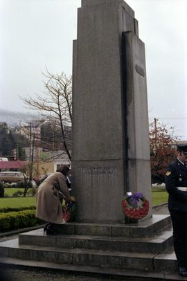 Iona Campagnolo laying wreath at cenotaph monument at Remembrance Day ceremony