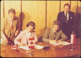 Signing of Protocol by Ministers Iona Campagnolo and Boleslaw Kapitan at Warsaw during the Europe...