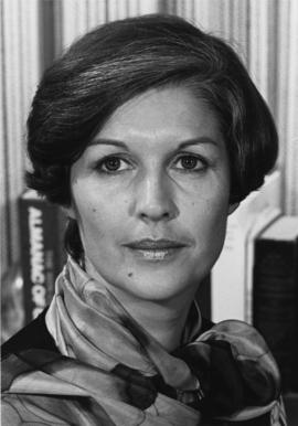 Iona Campagnolo wearing neck scarf in Liberal publicity image