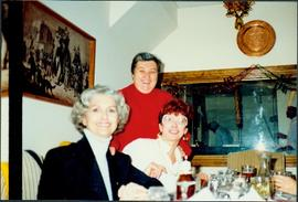 Iona Campagnolo and two unidentified women at a restaurant