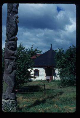 Kitwanga - House and Totem Pole