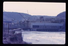 Peace Canyon Dam and generating station under construction on Peace River