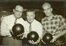Ray Williston bowling