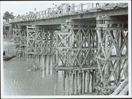 Bangladesh : Wooden trusses of a bridge