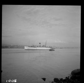"Ship the ""Princess Louise"" under tow"