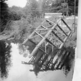 Former bridge crossing the Nanaimo River
