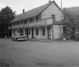 Hat Creek Staging Hotel, Cache Creek
