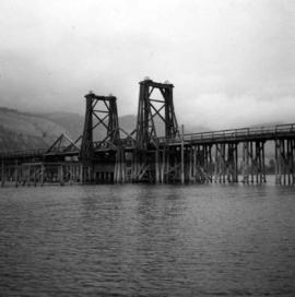 Old wooden lifting span bridge over Thompson River
