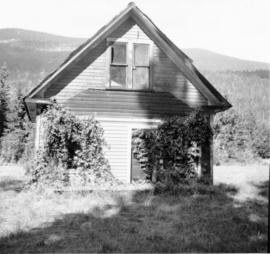 Abandoned house, Trout Lake