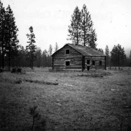 Abandoned log cabin in Kettle Valley