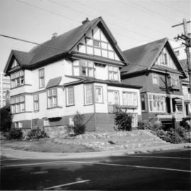 A remaining house on Beach Ave., Vancouver