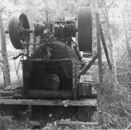 Portable 2 cyclinder traction engine found south of Nahun