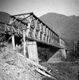 Truss bridge over Salmon River on North Vancouver Island