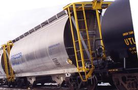 Tank car for CN/CP interchange