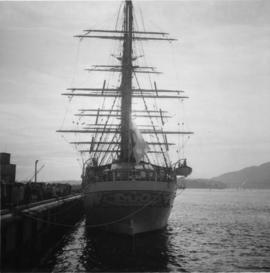 "Japanese Cadet sailing ship, ""Kaiuo Maru"""