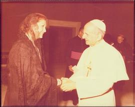 Iona Campagnolo shaking the hand of Pope Paul VI
