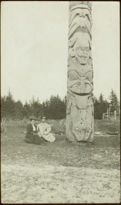 Bertha Collison and Josie Edenshaw at totem pole in Masset, Queen Charlotte Islands, BC