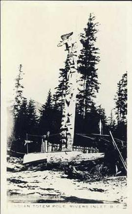 Indian Totem Pole, Rivers Inlet, B.C