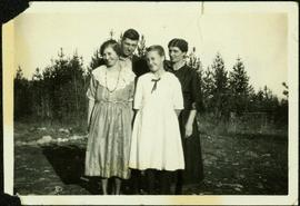 Bob Baxter with Mother and Sisters